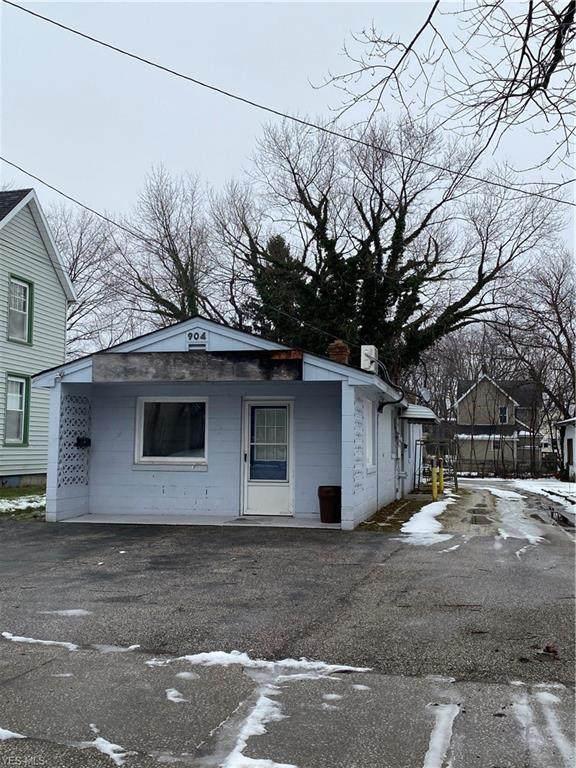 904 Broad Street, Conneaut, OH 44030 (MLS #4168159) :: The Crockett Team, Howard Hanna
