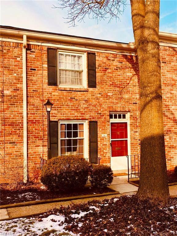 82 Nottoway Court #20, Akron, OH 44313 (MLS #4168500) :: The Crockett Team, Howard Hanna