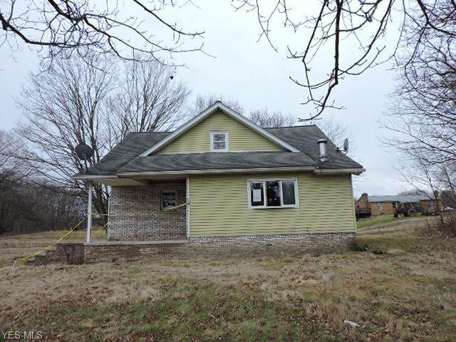 6097 W Garfield Road, Salem, OH 44460 (MLS #4168594) :: Tammy Grogan and Associates at Cutler Real Estate