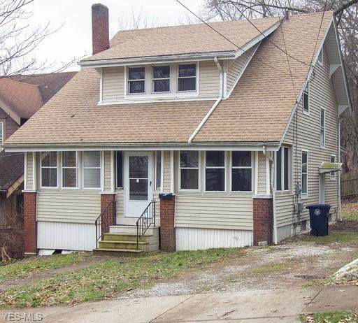628 Lakemont Avenue, Akron, OH 44314 (MLS #4168807) :: The Crockett Team, Howard Hanna