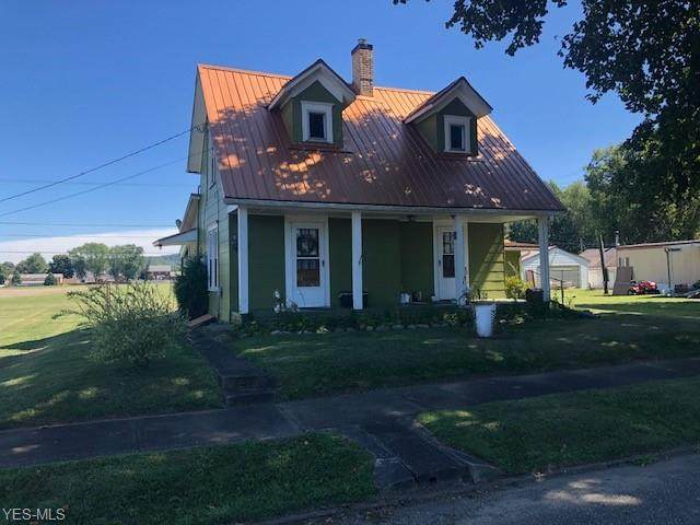 615 Tuscarawas Avenue, Newcomerstown, OH 43832 (MLS #4169711) :: The Crockett Team, Howard Hanna
