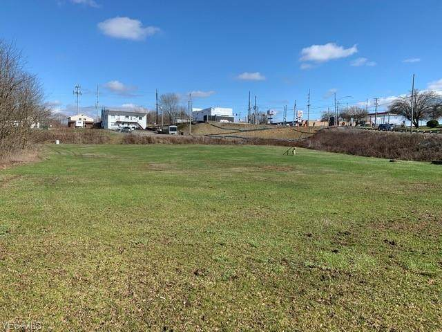 129 Canton Road, Wintersville, OH 43953 (MLS #4178043) :: Keller Williams Chervenic Realty