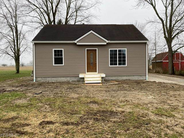 174 Airport Road NW, Warren, OH 44481 (MLS #4178402) :: RE/MAX Trends Realty