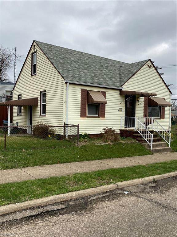 1259 Clarendon Avenue SW, Canton, OH 44710 (MLS #4178481) :: The Holly Ritchie Team