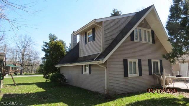 933 Long Shadow Lane, Roaming Shores, OH 44085 (MLS #4182304) :: Keller Williams Chervenic Realty