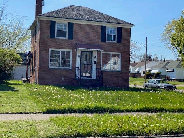 5558 Beechwood Avenue, Maple Heights, OH 44137 (MLS #4188910) :: RE/MAX Valley Real Estate