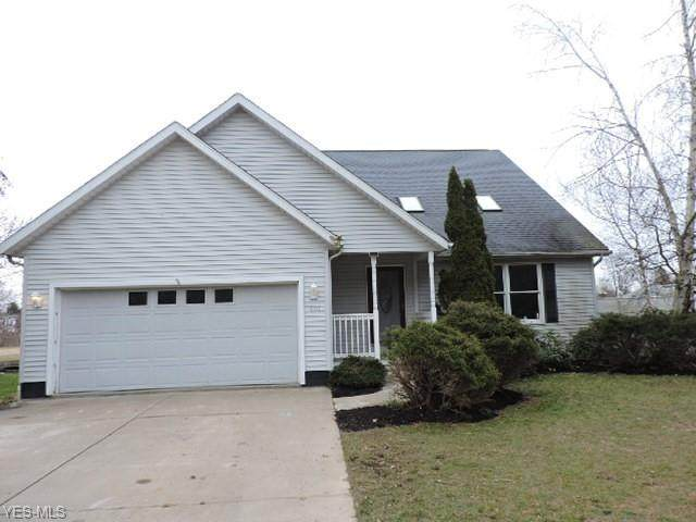 401 Hatton Drive, Andover, OH 44003 (MLS #4190366) :: The Holden Agency