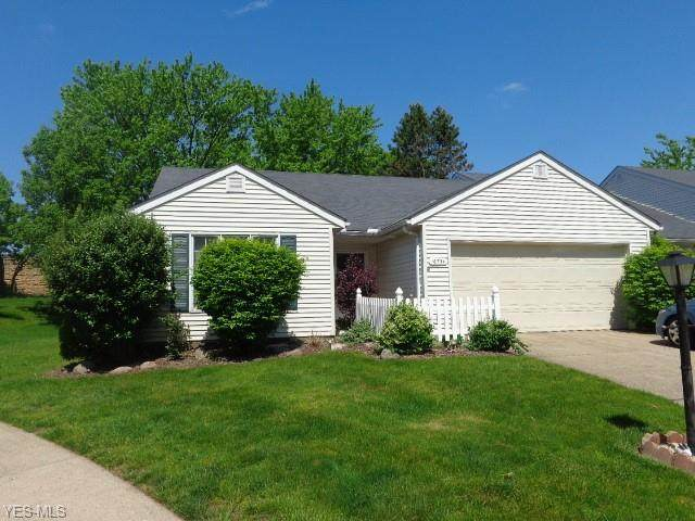 16734 Lake Circle Drive, Strongsville, OH 44136 (MLS #4191790) :: The Holly Ritchie Team