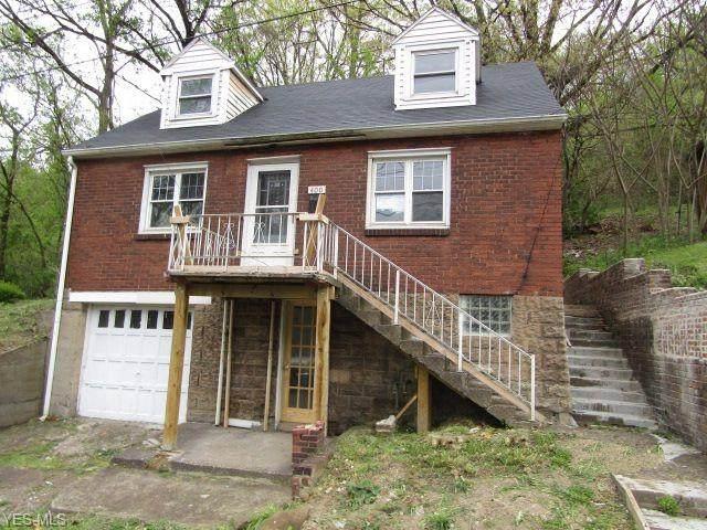 400 Ridge Avenue, Weirton, WV 26062 (MLS #4192248) :: Tammy Grogan and Associates at Cutler Real Estate