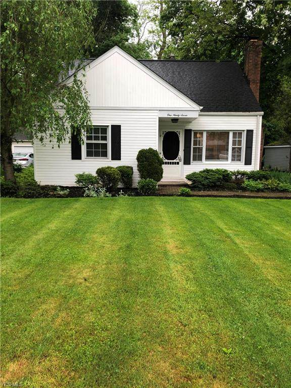 197 Miles Road, Chagrin Falls, OH 44022 (MLS #4192278) :: The Holden Agency