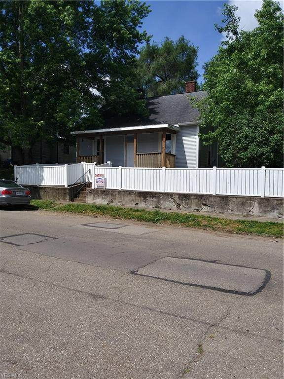229 Corwin Avenue, Zanesville, OH 43701 (MLS #4196571) :: The Holly Ritchie Team