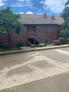 202 Clubside Drive NW, New Philadelphia, OH 44663 (MLS #4199970) :: Keller Williams Chervenic Realty