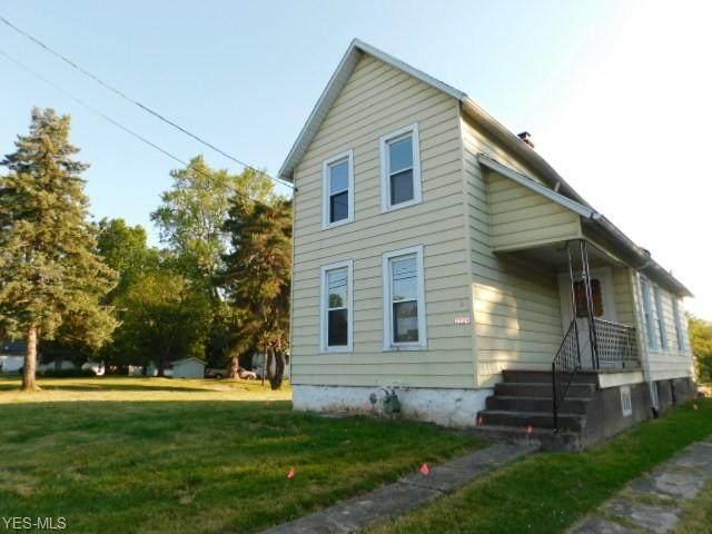 2229 Columbus Avenue, Ashtabula, OH 44004 (MLS #4200582) :: The Holden Agency