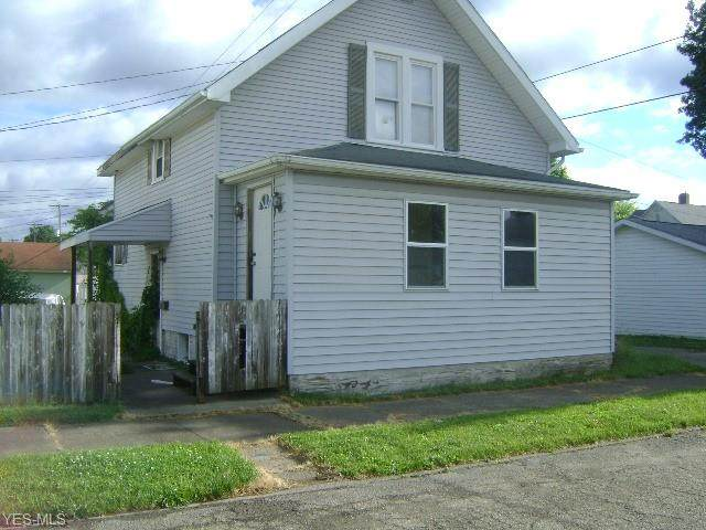 315 E 7th Street, Uhrichsville, OH 44683 (MLS #4201135) :: The Holden Agency