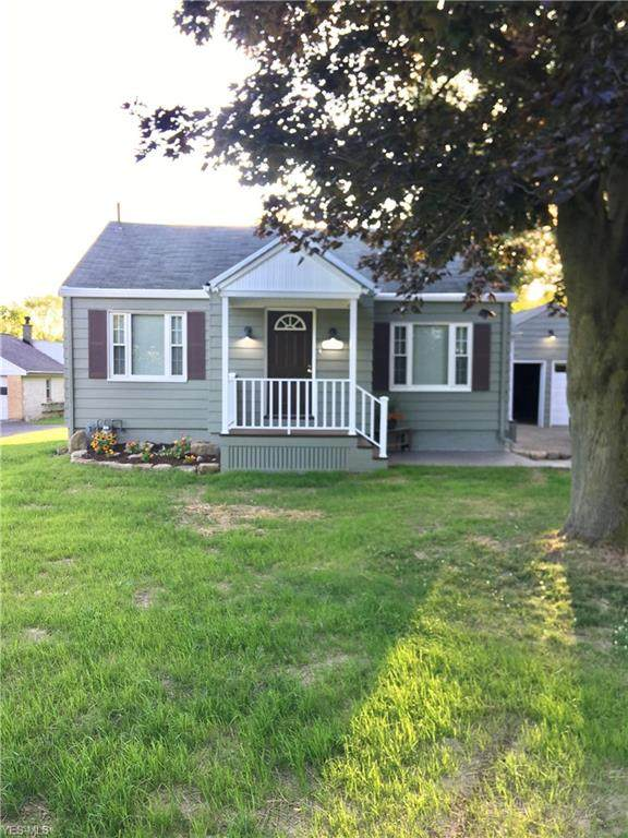 6133 Struthers Road, Lowellville, OH 44436 (MLS #4202123) :: The Holden Agency