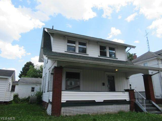 910 Roslyn Avenue SW, Canton, OH 44710 (MLS #4202366) :: The Crockett Team, Howard Hanna