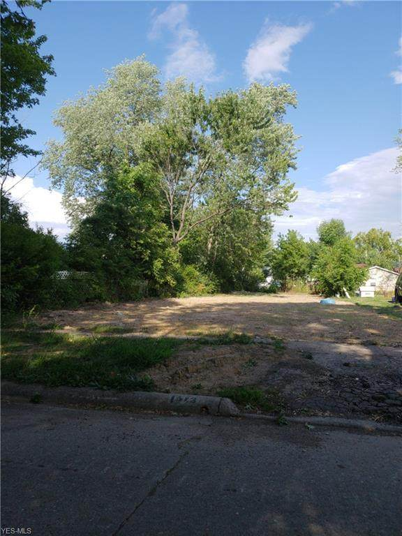 1513 New Hampshire Avenue, Lorain, OH 44052 (MLS #4209849) :: The Art of Real Estate