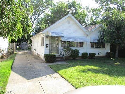 315 E 284 Street, Willowick, OH 44095 (MLS #4212058) :: The Crockett Team, Howard Hanna
