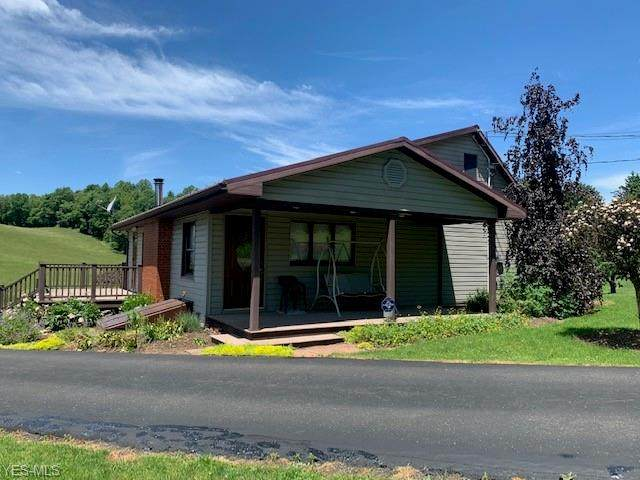 8201 Deer Road SW, Bowerston, OH 44695 (MLS #4214947) :: The Jess Nader Team | RE/MAX Pathway