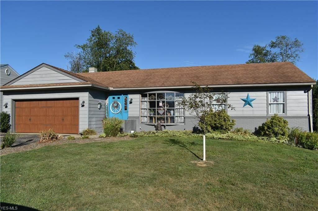 688 Ridgewood Drive - Photo 1