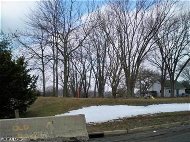 Allen Avenue SE, Canton, OH 44707 (MLS #4220055) :: Keller Williams Chervenic Realty