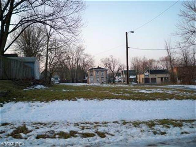 Tuscarawas Street E, Canton, OH 44708 (MLS #4220079) :: RE/MAX Valley Real Estate