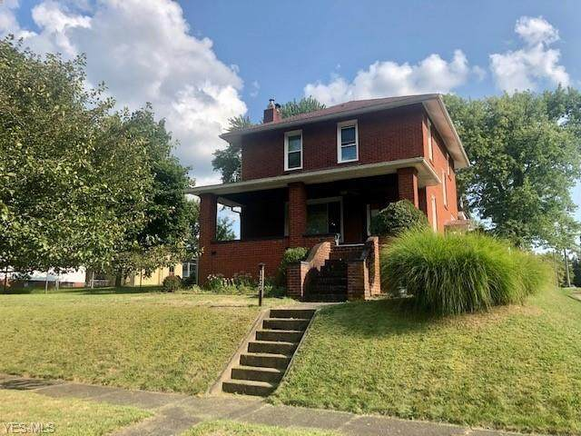 1229 Chestnut Street, Dover, OH 44622 (MLS #4222550) :: The Jess Nader Team | RE/MAX Pathway