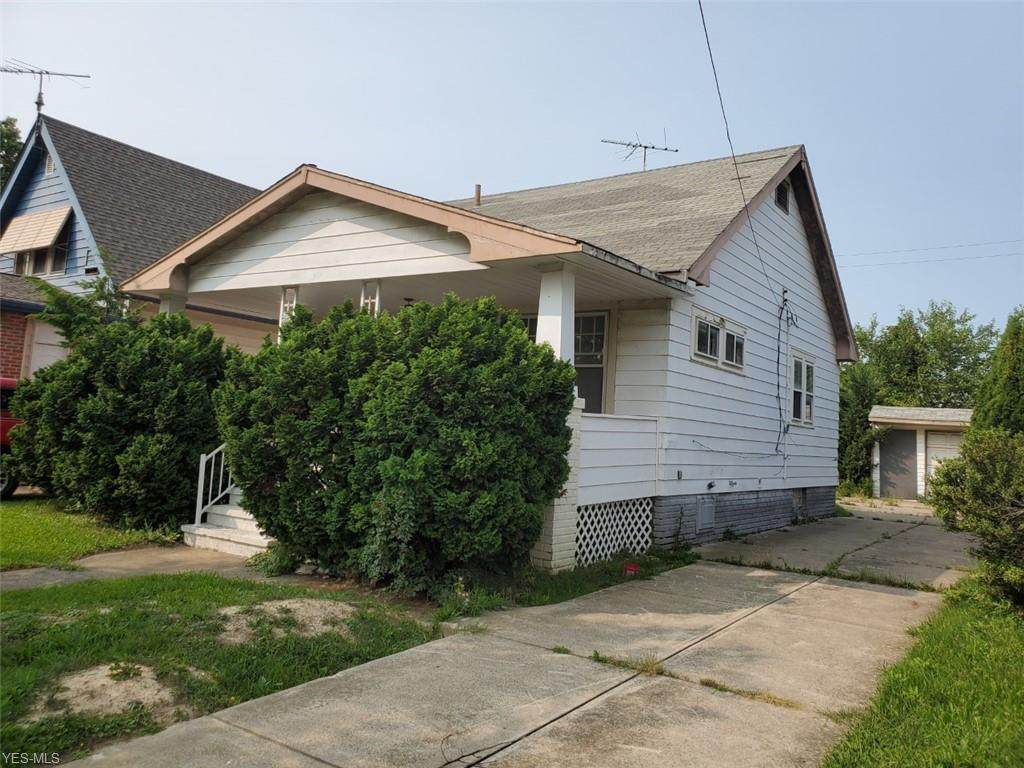 19501 Mohican Avenue - Photo 1