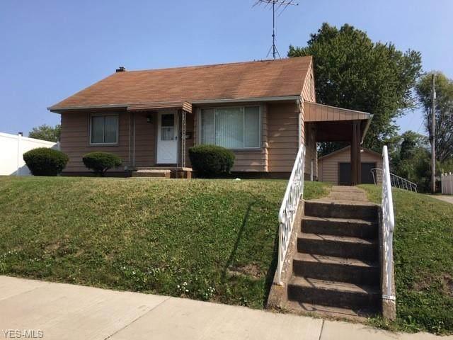 1708 S Liberty Avenue, Alliance, OH 44601 (MLS #4226294) :: Keller Williams Chervenic Realty