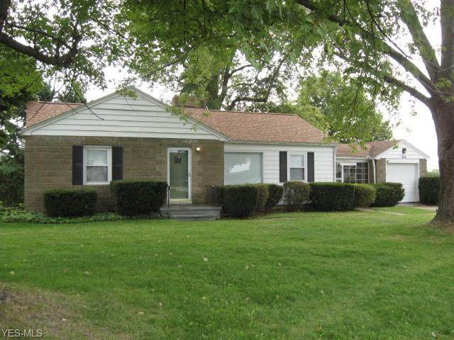 10820 Mogadore Avenue NW, Uniontown, OH 44685 (MLS #4227208) :: The Jess Nader Team | RE/MAX Pathway