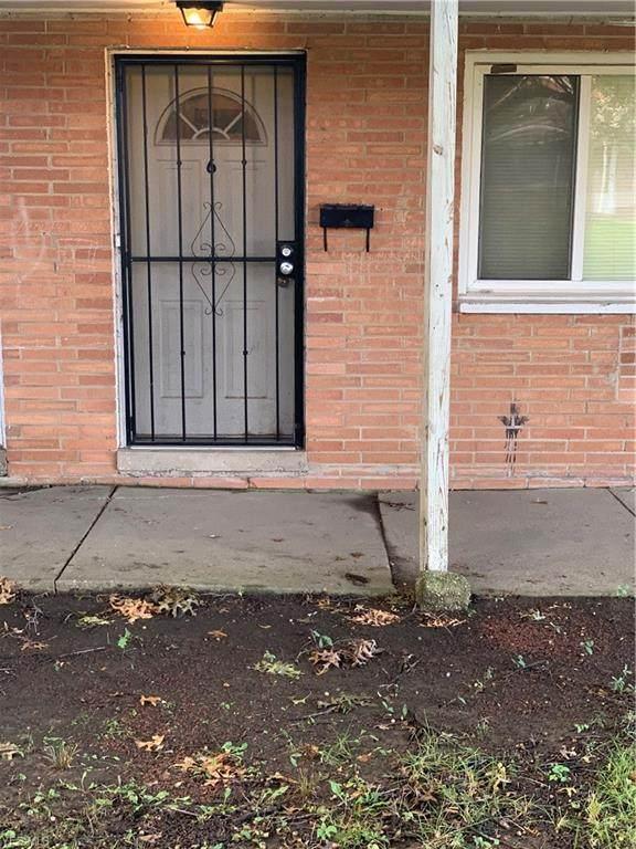 4889 Banbury Court #6, Warrensville Heights, OH 44128 (MLS #4227469) :: The Holden Agency