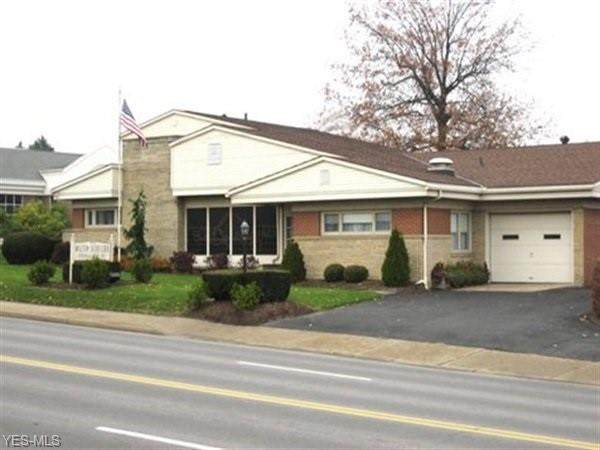 1131 W State Street, Alliance, OH 44601 (MLS #4228070) :: The Jess Nader Team | RE/MAX Pathway
