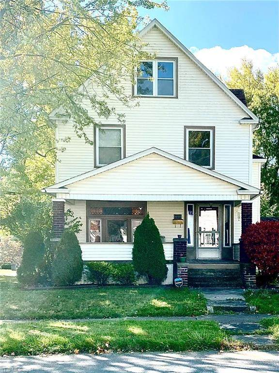 205 W Third St, Niles, OH 44446 (MLS #4229700) :: Keller Williams Chervenic Realty