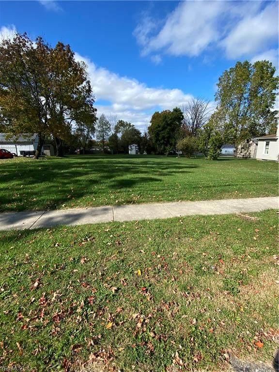 283 Park Avenue, Cortland, OH 44410 (MLS #4231663) :: RE/MAX Edge Realty