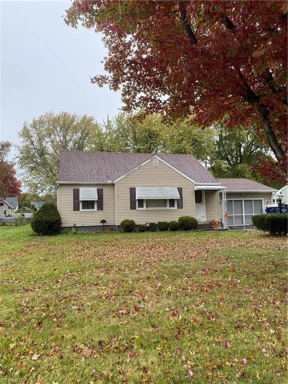 1145 E 17th Street, Ashtabula, OH 44004 (MLS #4232311) :: The Holden Agency
