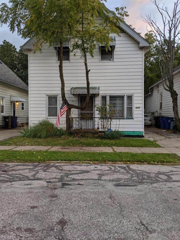 3015 Tampa Avenue, Cleveland, OH 44109 (MLS #4233590) :: The Holly Ritchie Team