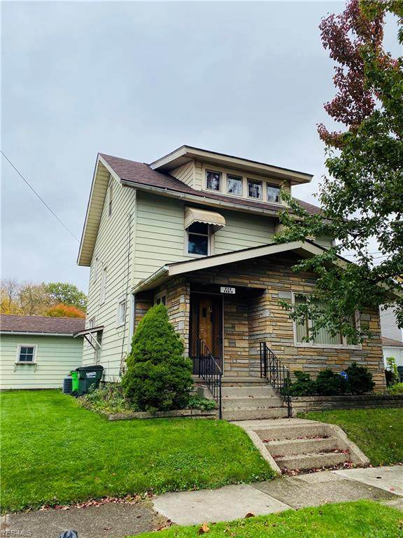 826 11th Street NE, Massillon, OH 44646 (MLS #4235353) :: Select Properties Realty