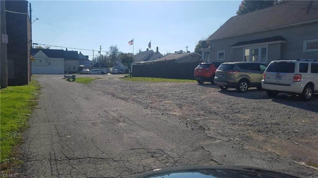 3817 Sackett Avenue - Photo 1