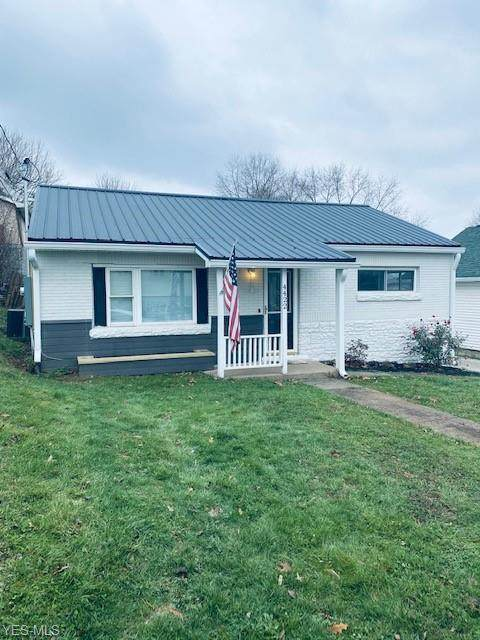 4422 11th Avenue, Parkersburg, WV 26101 (MLS #4243880) :: Tammy Grogan and Associates at Cutler Real Estate