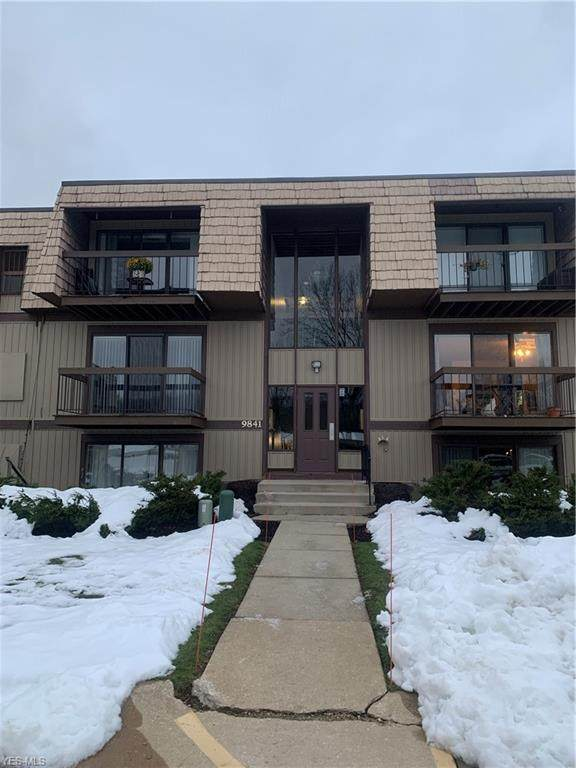 9841 Sunrise Boulevard P17, North Royalton, OH 44133 (MLS #4244085) :: Keller Williams Chervenic Realty