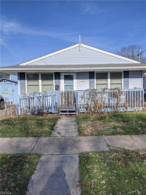 423 W Paradise Street, Orrville, OH 44667 (MLS #4248859) :: Keller Williams Legacy Group Realty