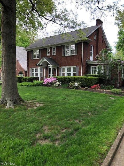 61 Clemmer Avenue, Akron, OH 44313 (MLS #4248973) :: The Jess Nader Team | RE/MAX Pathway