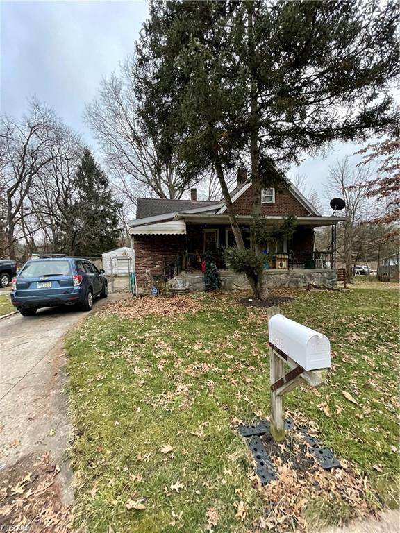 2315 Cherry Hill Avenue, Youngstown, OH 44509 (MLS #4249379) :: TG Real Estate
