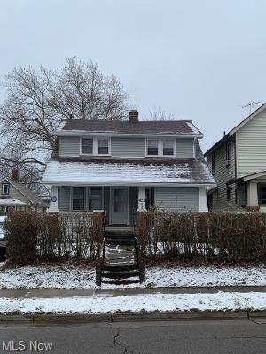 422 Stanton Avenue, Akron, OH 44301 (MLS #4250165) :: The Jess Nader Team | RE/MAX Pathway