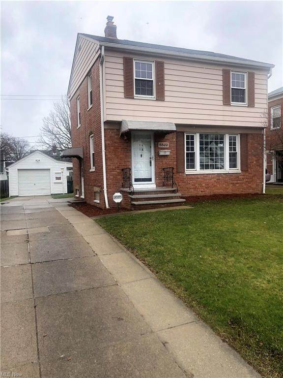 5522 Hollywood Avenue, Maple Heights, OH 44137 (MLS #4251039) :: Krch Realty