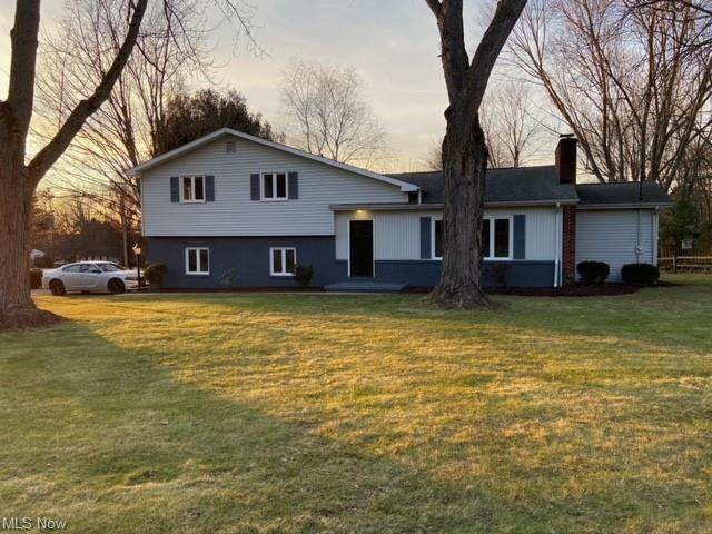 8403 Deer Creek Lane NE, Howland, OH 44484 (MLS #4251438) :: The Crockett Team, Howard Hanna