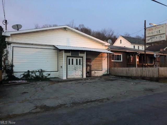 255 W Ninth Street, East Liverpool, OH 43920 (MLS #4251607) :: RE/MAX Trends Realty