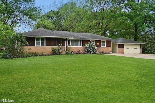 2896 Emerald Lakes Boulevard, Willoughby Hills, OH 44092 (MLS #4263679) :: The Art of Real Estate
