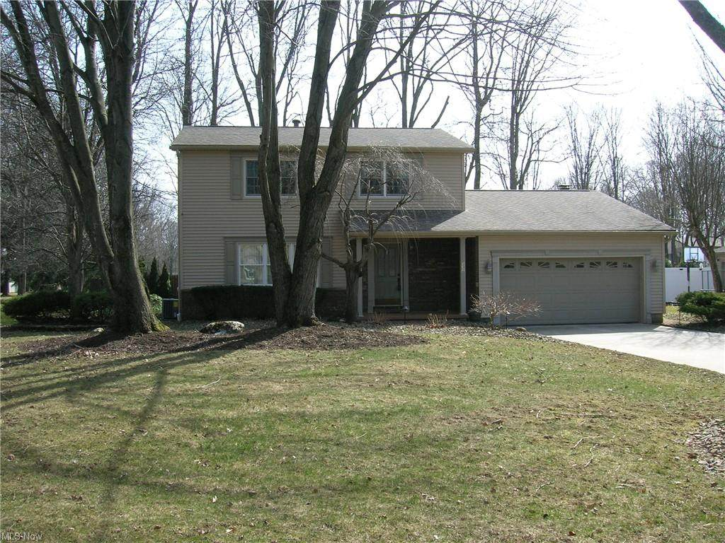 332 Old Oak Drive - Photo 1