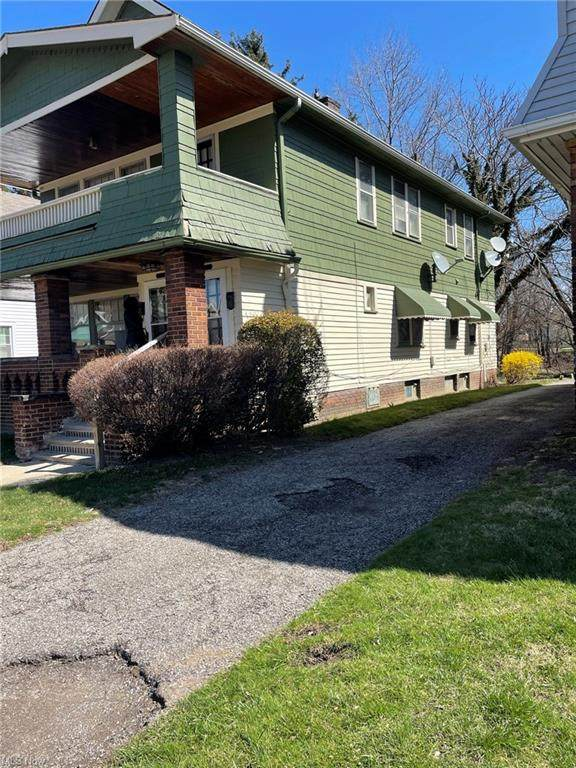 1059 E 177th Street, Cleveland, OH 44119 (MLS #4265899) :: The Art of Real Estate